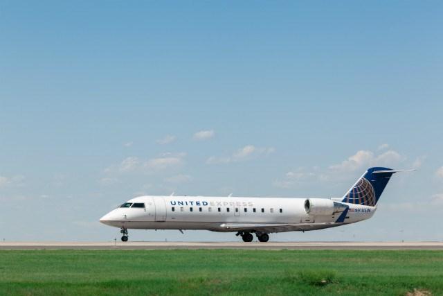 United CRJ200