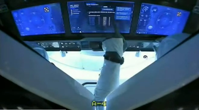 spacex-cockpit