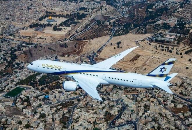 El Al 787 in flight