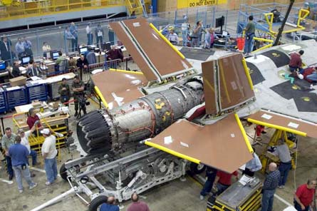 Pratt & Whitney F135 engine fit in JSF W445