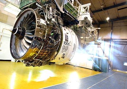 R-R Trent 1000 test 04 W445