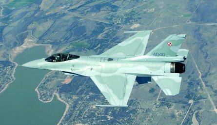 F-16 poland feature W445