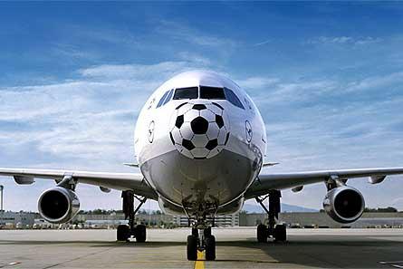 Lufthansa A340 400 football nose