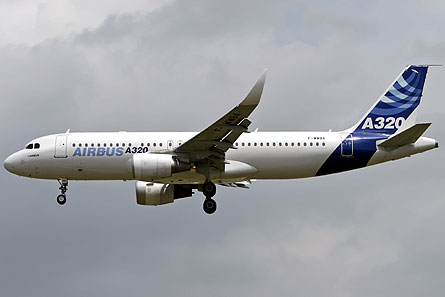 A320 curved winglet 01 W445