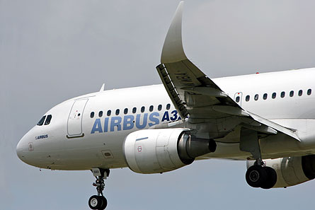 A320 curved winglet 02 W445