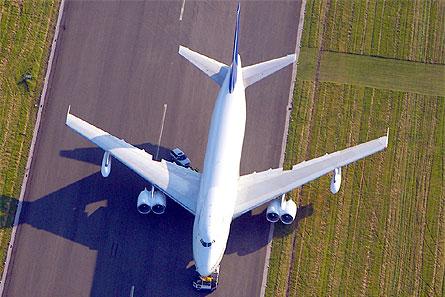 Bond Boeing 747-200 B-47 hybrid W445