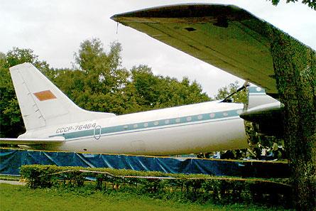 Tu-114 break-up 01