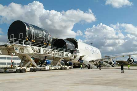 787 parts being delivered