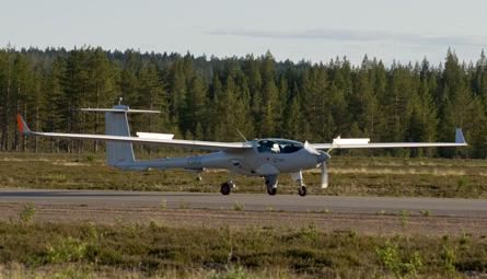 Patroller UAV landing - Sagem