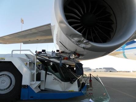 747-8F Engine Cowl Damage