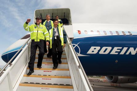 ANA pilots on first flight, 12 May, ©Boeing