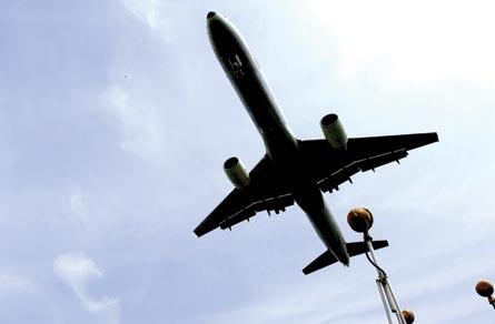 Aircraft landing, ©Rex Features