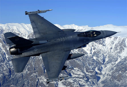 USAF F-16 - News Pictures/MCP/Rex Features