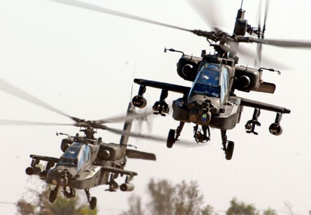AH-64 Apache pair - US Army