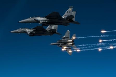 F15Es formation flare