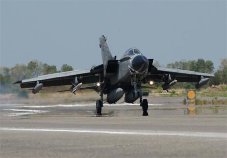Tornado ECR v Libya - Italian air force