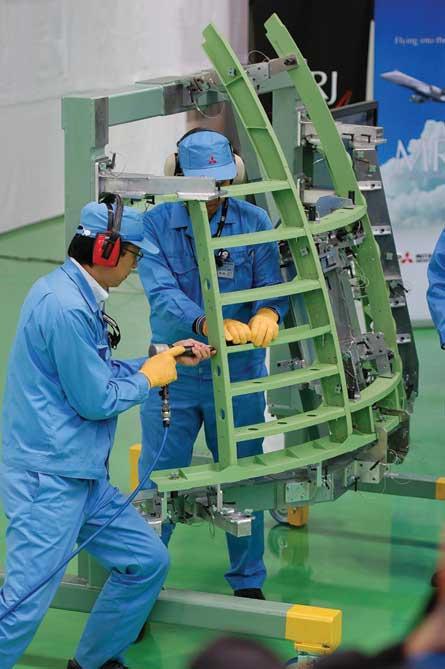 MRJ assembly - Mitsubishi Aircraft Corporation