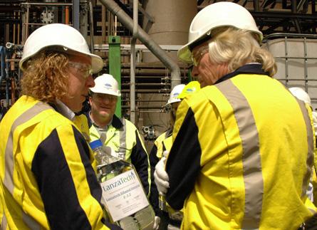 Richard Branson visits LanzaTech biofuel plant