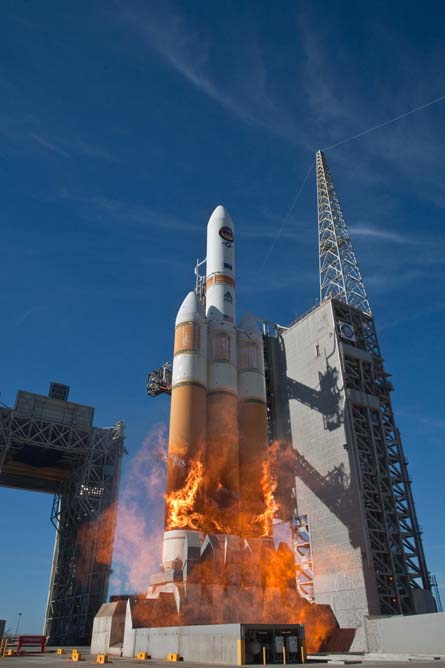 Delta IV rocket launch