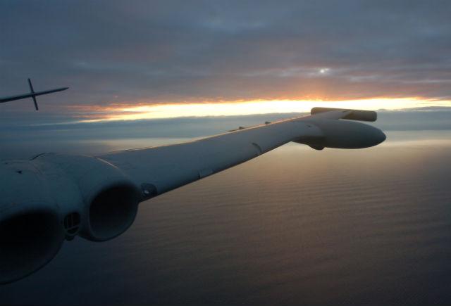 Nimrod MR2 sunset - Craig Hoyle Flightglobal