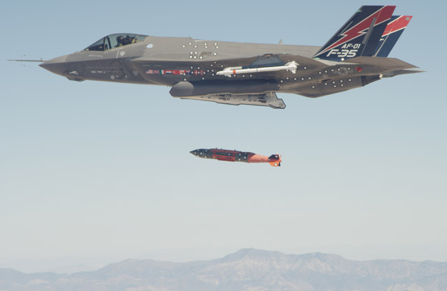 F-35 JDAM fire