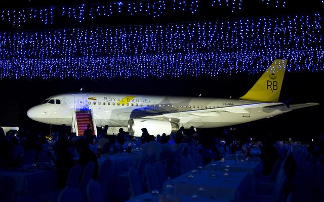 Royal Brunei A319 new livery hangar