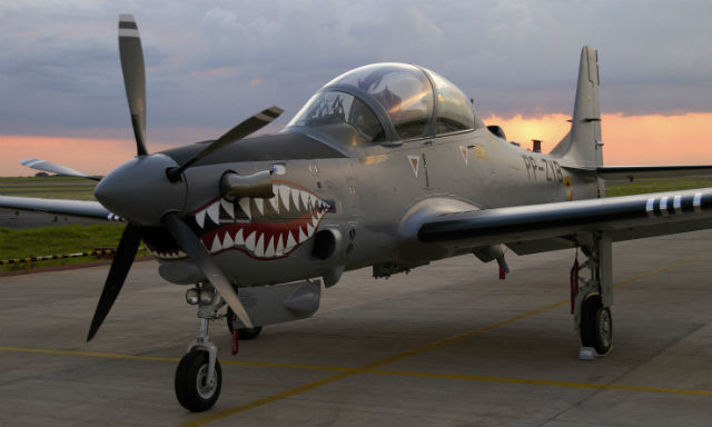 Super Tucano Colombia - Embraer