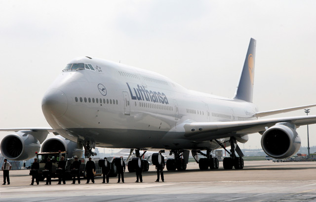 Lufthansa 747-8I roll out