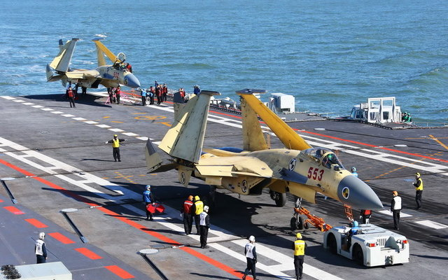 Two J-15s on Liaoning