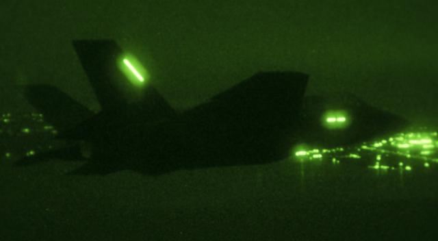F-35c-night