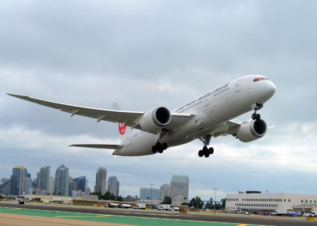 JAL 787 San Diego