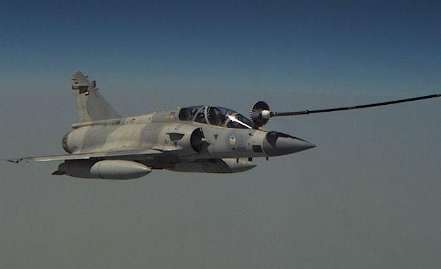 UAE Mirage 2000 refuel - Airbus Military