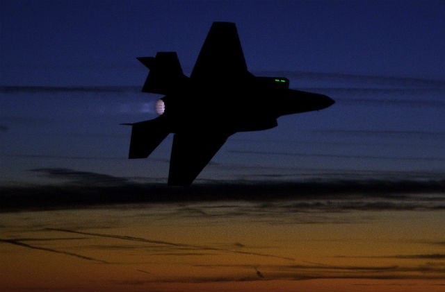 F-35 night - Lockheed Martin