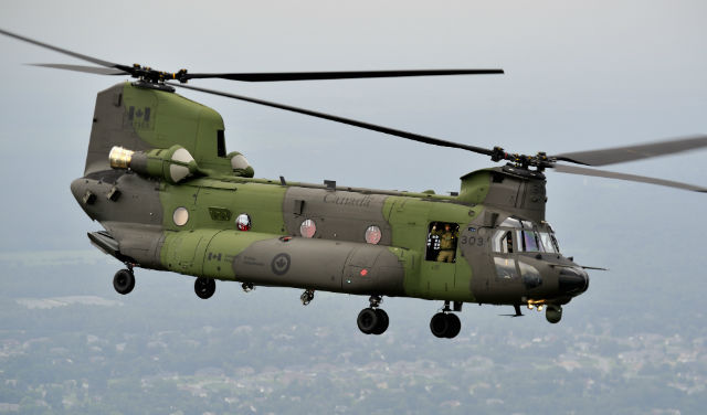 PICTURES: Canada receives first F-model Chinook | News | Flight Global