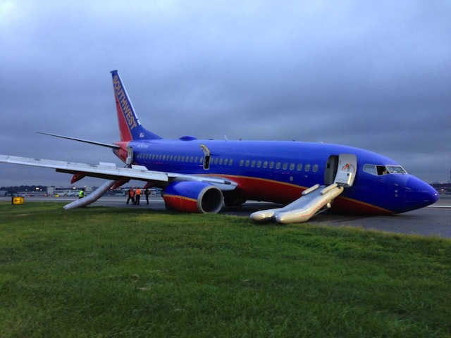 Southwest 737 gear collapse