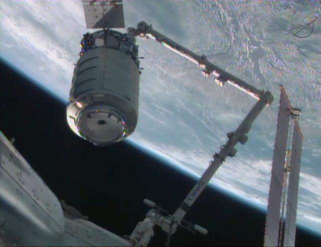 Cygnus docking full