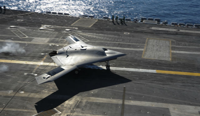 X-47B Roosevelt landing - US Navy