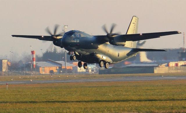 Australian C-27J flies - Alenia Aermacchi