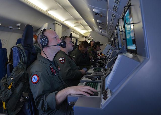 US Navy MH370