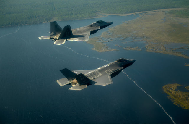 F-22 F-35 - USAF