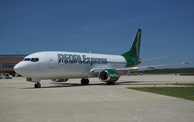 People Express 737-400