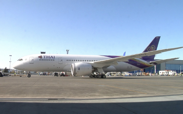 Thai first 787 aircraft in light - better quality