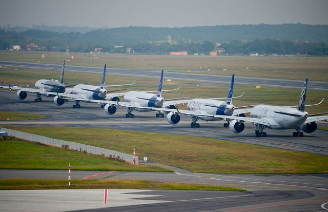 A350 formation ground