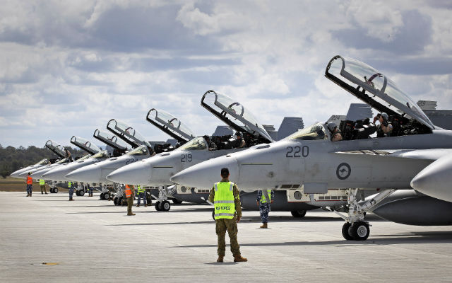 Aus Super Hornets - Commonwealth of Australia