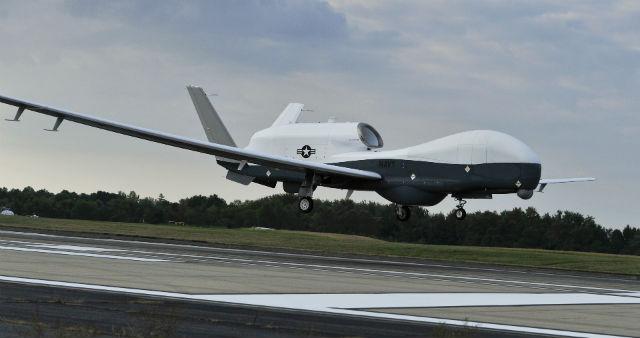 Triton lands - US Navy