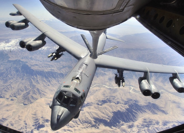 B-52H refuel