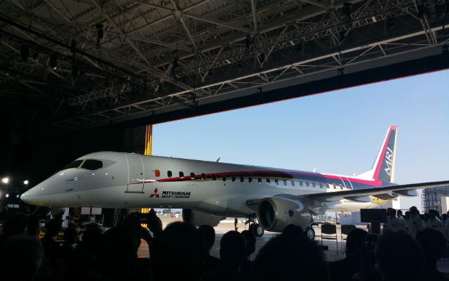 mrj roll out