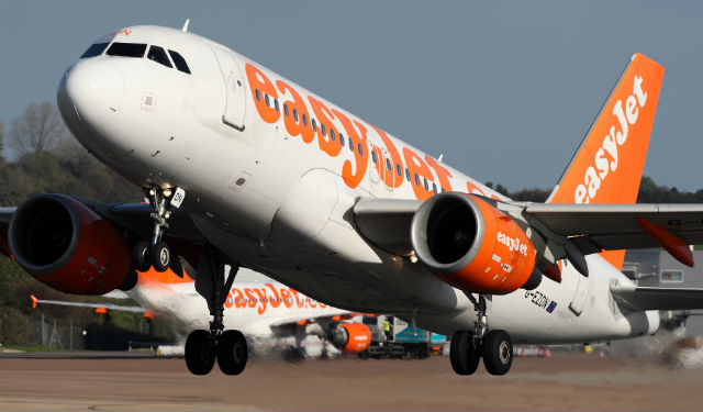 EasyJet A319 - AirTeamImages