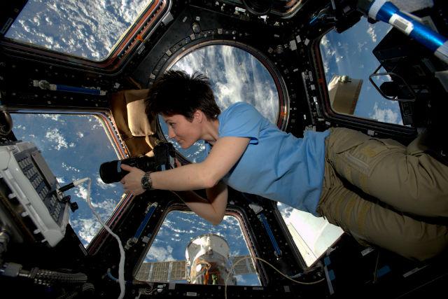 Sam Cristoforetti on ISS c ESA/NASA