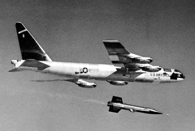 B-52 X-15 c Rex 640